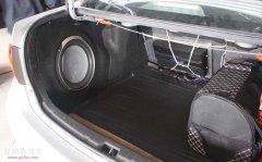 卡罗拉尾箱倒模安装来福低音 昆明汽车音响