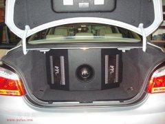 昆明汽车音响改装:宝马523LI发烧音响改装升级曼琴音响系统