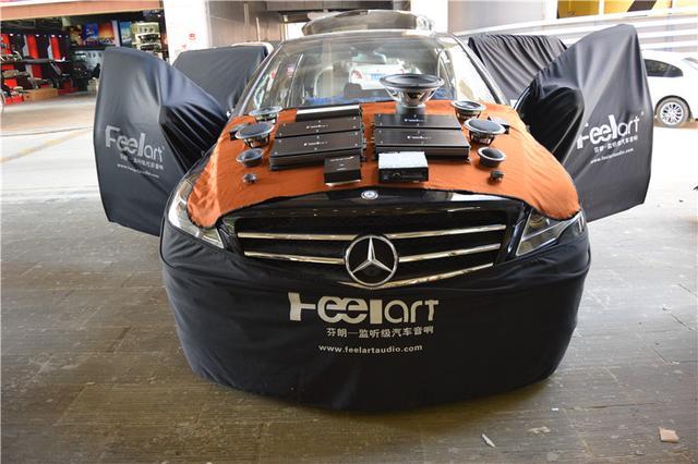 奔驰R320汽车音响改装――炫舞乐扬,醉曲霓裳!昆明发烧友汽车音响