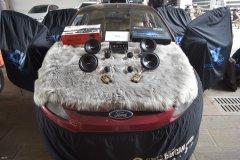 福特汽车音响改装两套喇叭和一台西玛DSP,昆明发烧友汽车音响